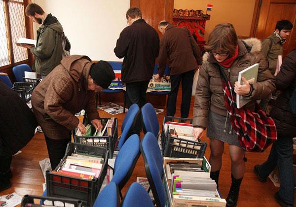razmjena knjiga (Foto: Saša Zinaja /Medijksa mreža)