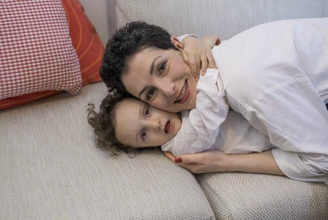 Gala (3). Dijagnoza: Alagillov sindrom. Nalazi se u najljepšem zagrljaju – majčinom!