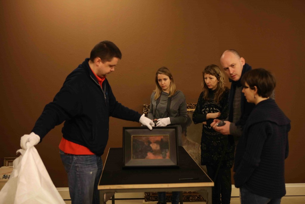 Postavljanje djela Gustava Klimta (6)